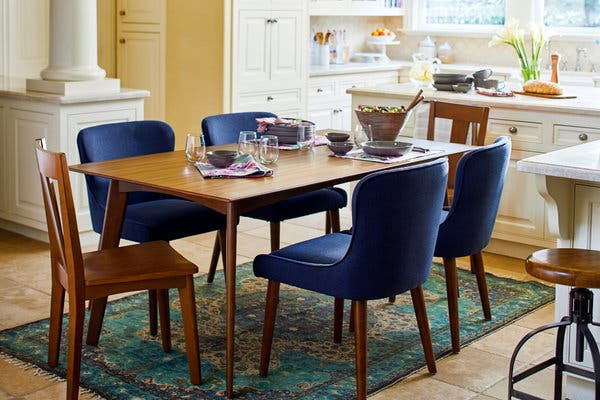 Things to Consider While Purchasing a Dining Table and Bedside table Online